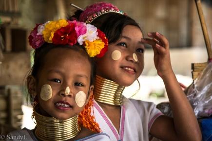 Paduang Girls