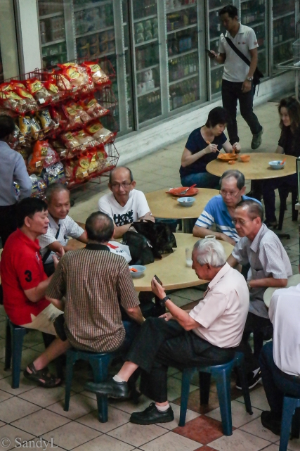 Rochor residents at kopitiam