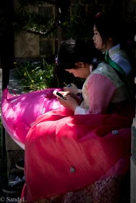 Pink hanboks