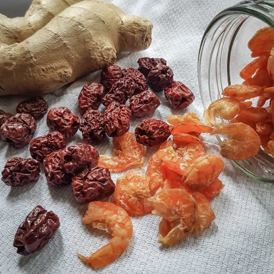 Ginger, dried Chinese dates & Shirimp
